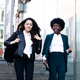 BusinessWomen_walking